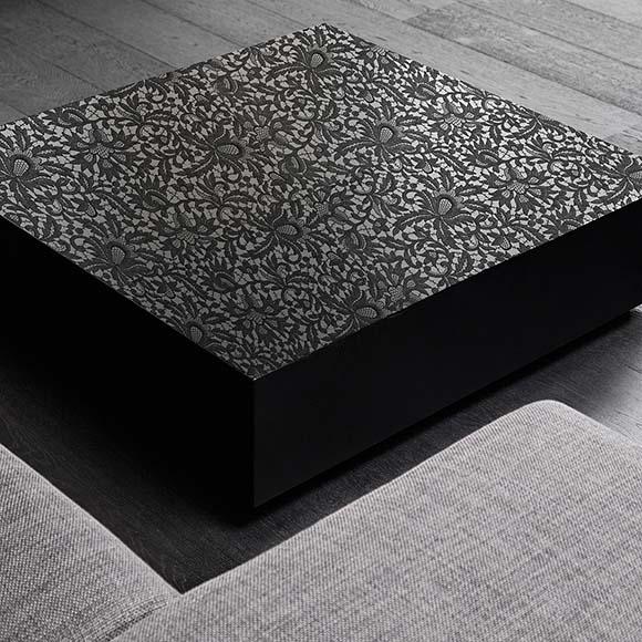 Tisch Schwarz mit Floral Design Stickerei - Bischoff Interior AG